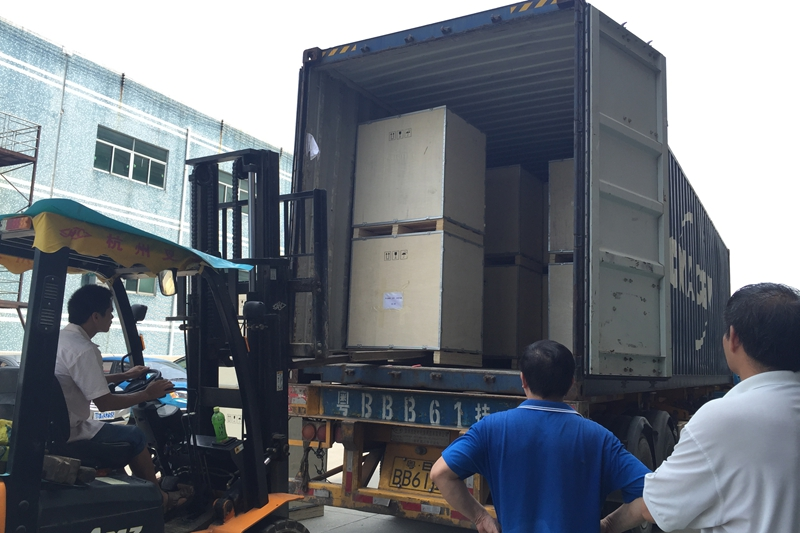 220pcs 960mm*960mm P10 Outdoor Advertising LED Screen Cabinets loaded in 40′ Container to Baghdad,Iraq