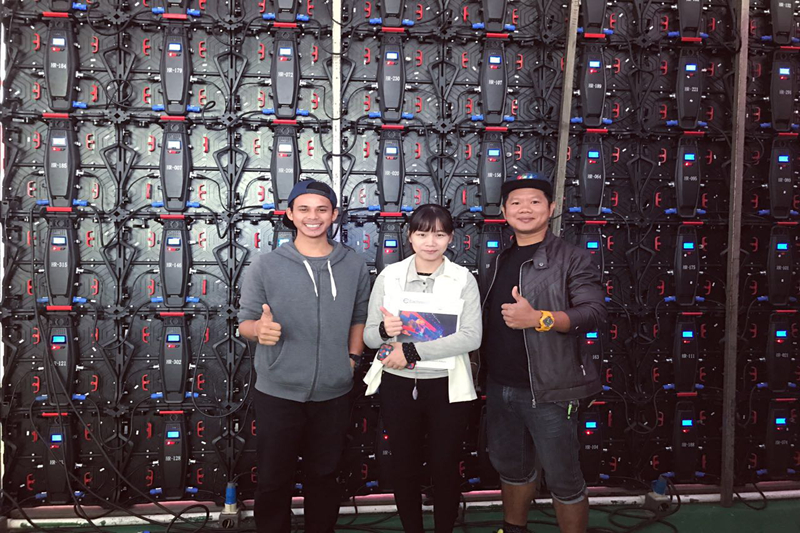 Thailand Clients visited Eachinled for P3.9 New indoor rental LED Screen to be our new distributor