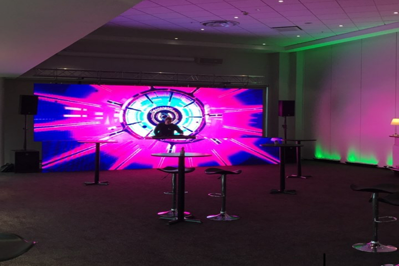P4.81 Indoor DJ Bar Backdrop LED Video Wall